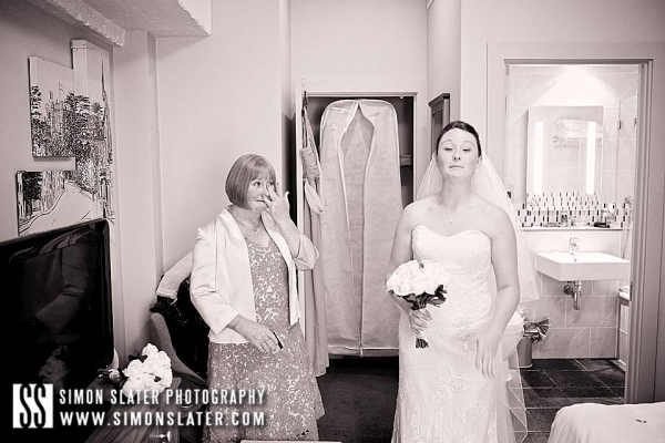 bush-hotel-wedding-photographer-farnahm-surrey