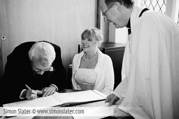 st-james-church-rowledge-surrey-wedding-photographer-simon-slater-017