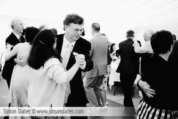 st-james-church-rowledge-surrey-wedding-photographer-simon-slater-047