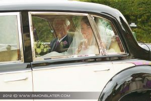 Wedding-Photography-Berkshire_Documentray-Wedding-Photographer_001.jpg